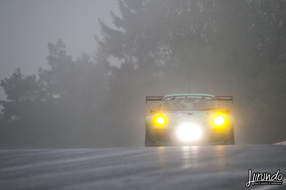 Porsche Falken rain