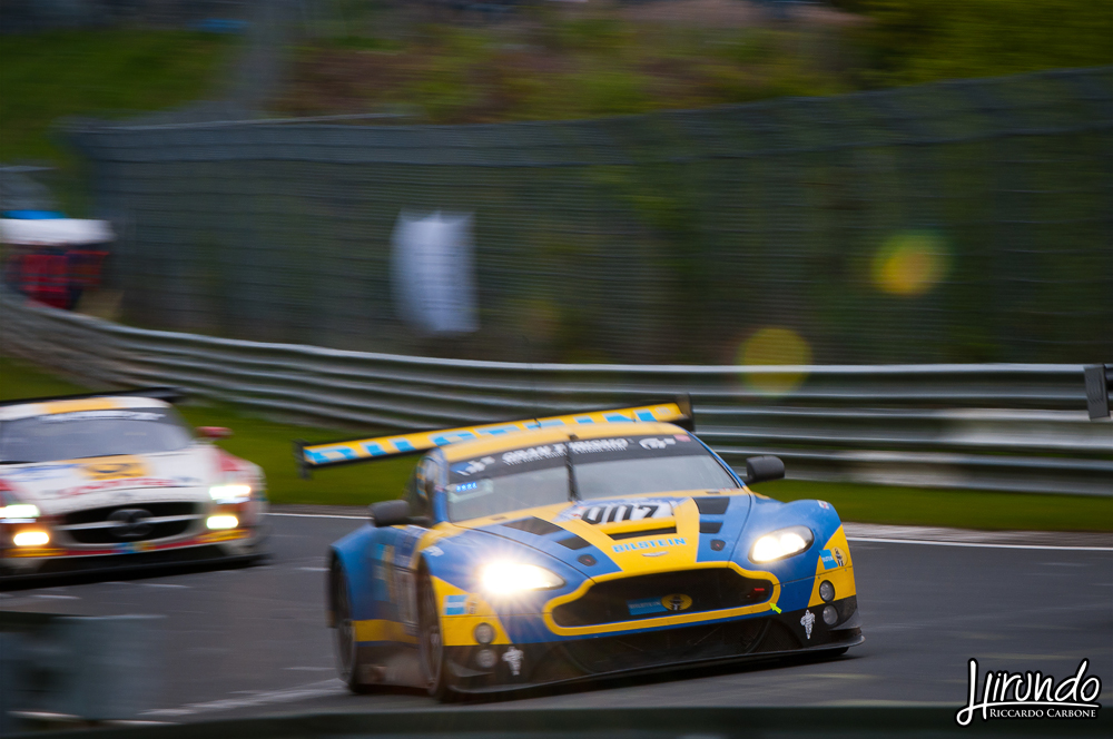 Aston Martin Vantage GT3 fight